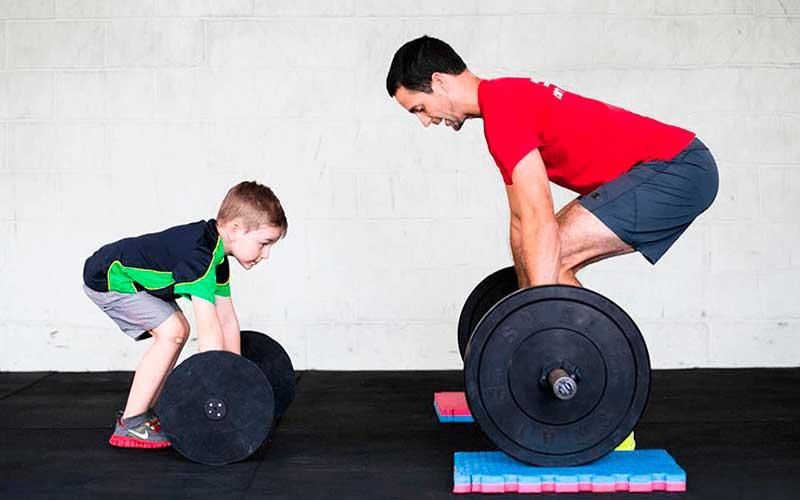 Levantamiento de pesas en niños ¿es seguro para su salud?